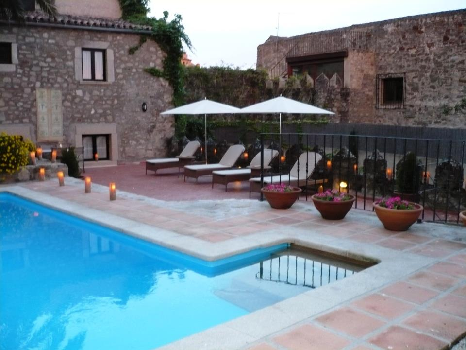 Hoteles con piscina en trujillo spain hotels wiht swimming for Hoteles con piscina en caceres